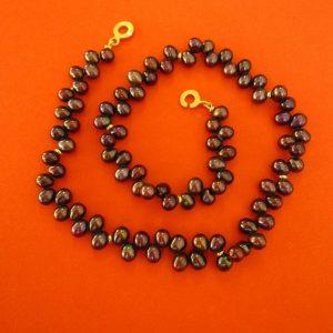 Dunkle Perlentropfen Halskette mit Scheiben Verschluß
