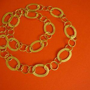 vergoldete Gliederkette mit runden und ovalen Kettengliedern