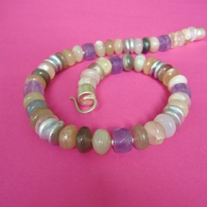 Bunter Monstein, Amethyst, Perlen Collier