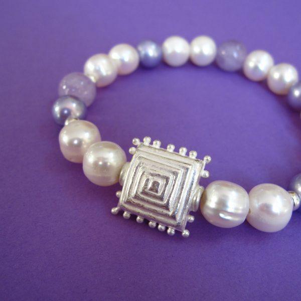 Perlenarmband mit Amethyst, Silber Ornament