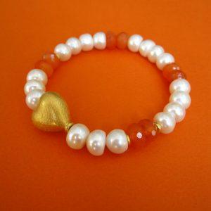 Perlenarmband mit Karneol, veroldetem Herz