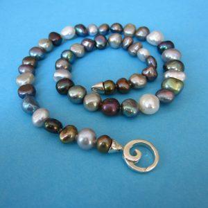 Poturri Perlenkette mit Karbiner Ornament