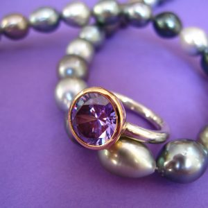 Violetter Zirkonia Silber Ring 750 Goldn Fassung