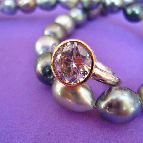 Violetter Zirkonia mit Violetter Zirkonia Ring mit Silber und 750 Gold Schale