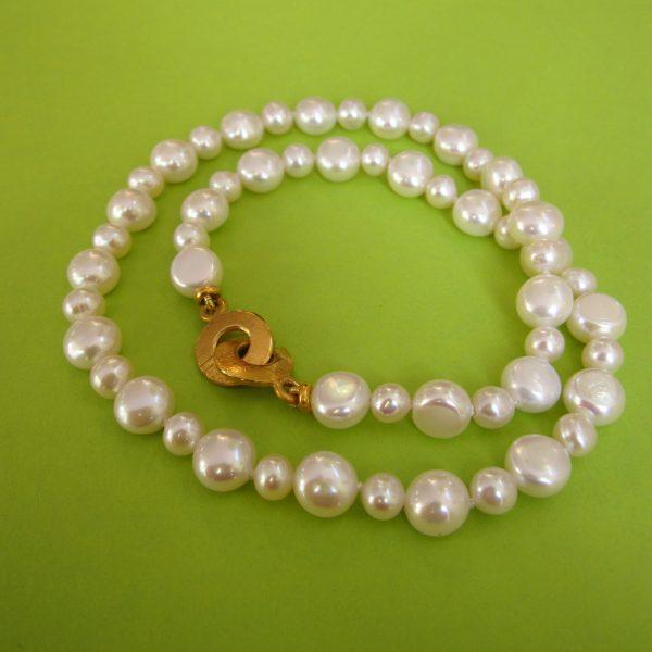 Weisse Perlenkette Lilly