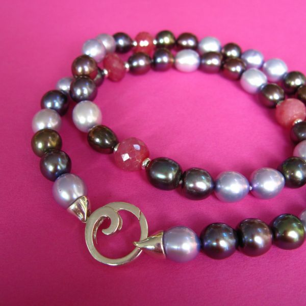 Rubin und Perlen Collier mit Silber Spirale