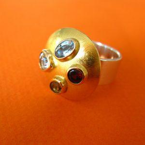Bunte Edelsteine Ring Silber und Gold