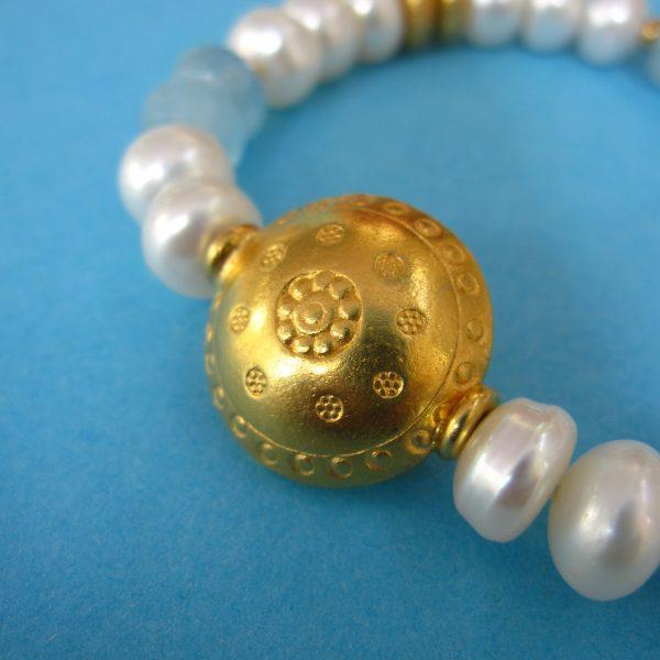 Aquamarin und Perlen Armband Detail