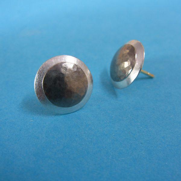Runde Palladium Silber Ohrstecker Detail
