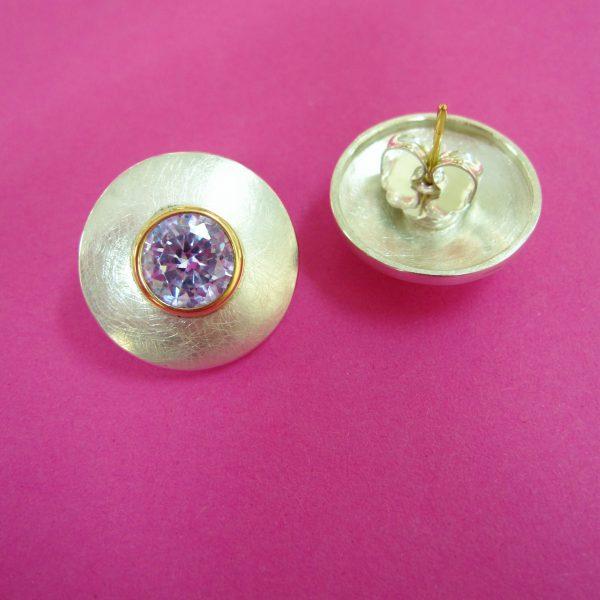 Silber Ohrstecker mit flieder Zirconia in 750 Gold Detail