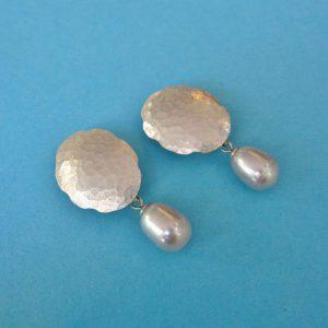 Ovale gehämmerte Silber Clips mit Perle