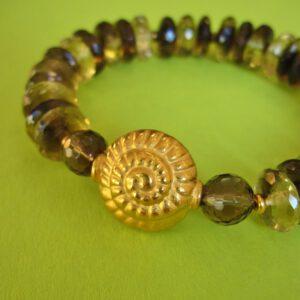 Rauchquarz Armband mit vergoldeter Schnecke