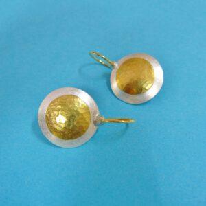 Runde Ohrhänger mit Goldpunkt 23 mm