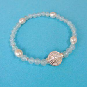 Zartes Aquamarin Armband mit Perlen und Silber Spriale